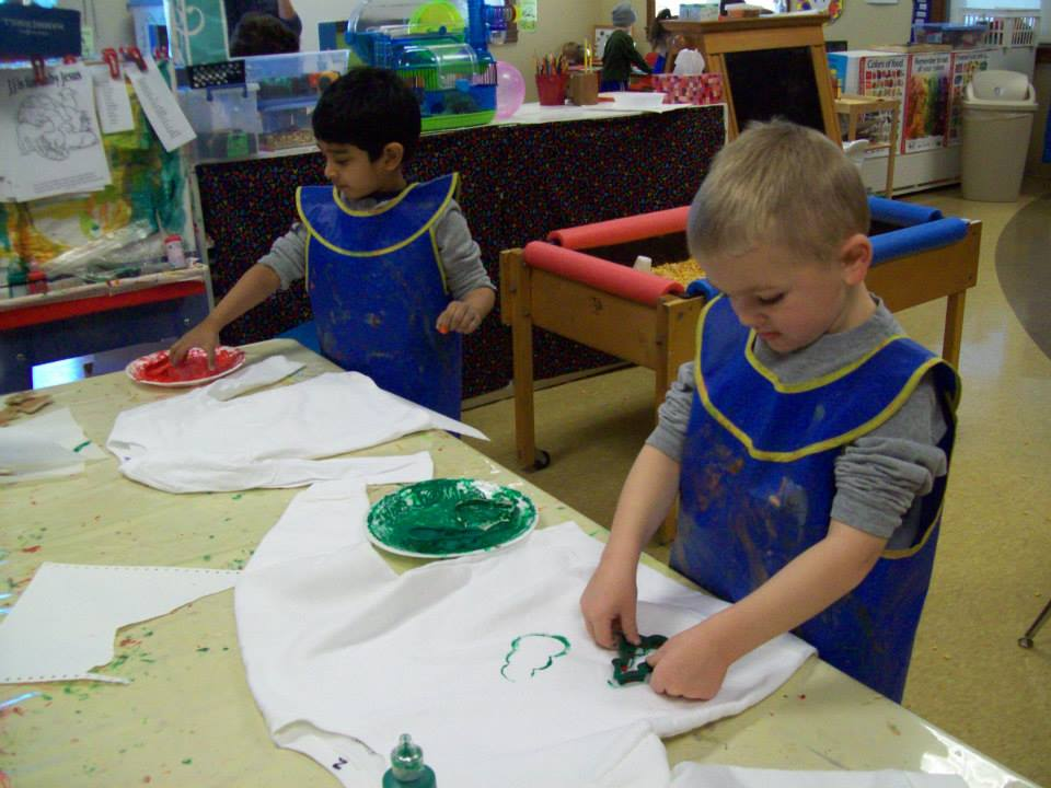 The kids used special paints and made Xmas shirts.